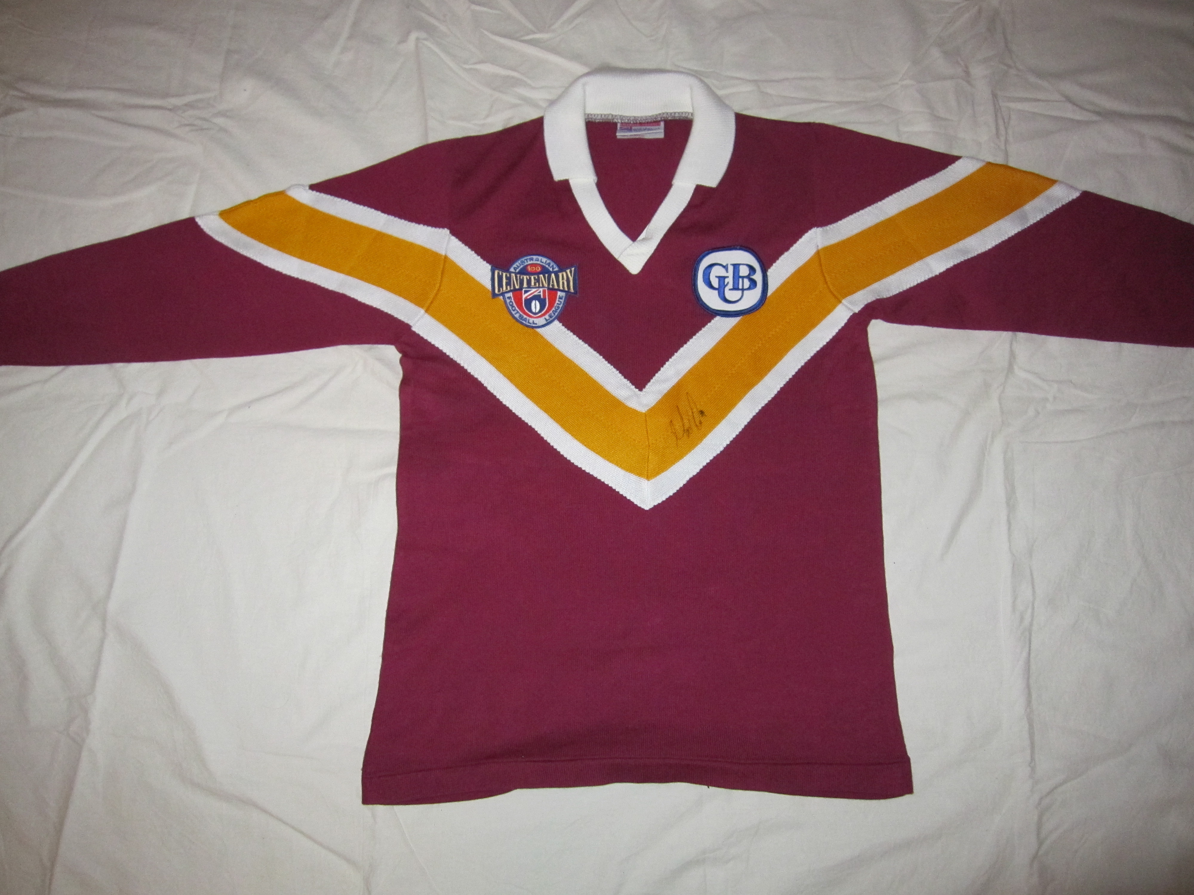 dae2476c 1996 Brisbane Bears Home Jumper (signed by Voss)